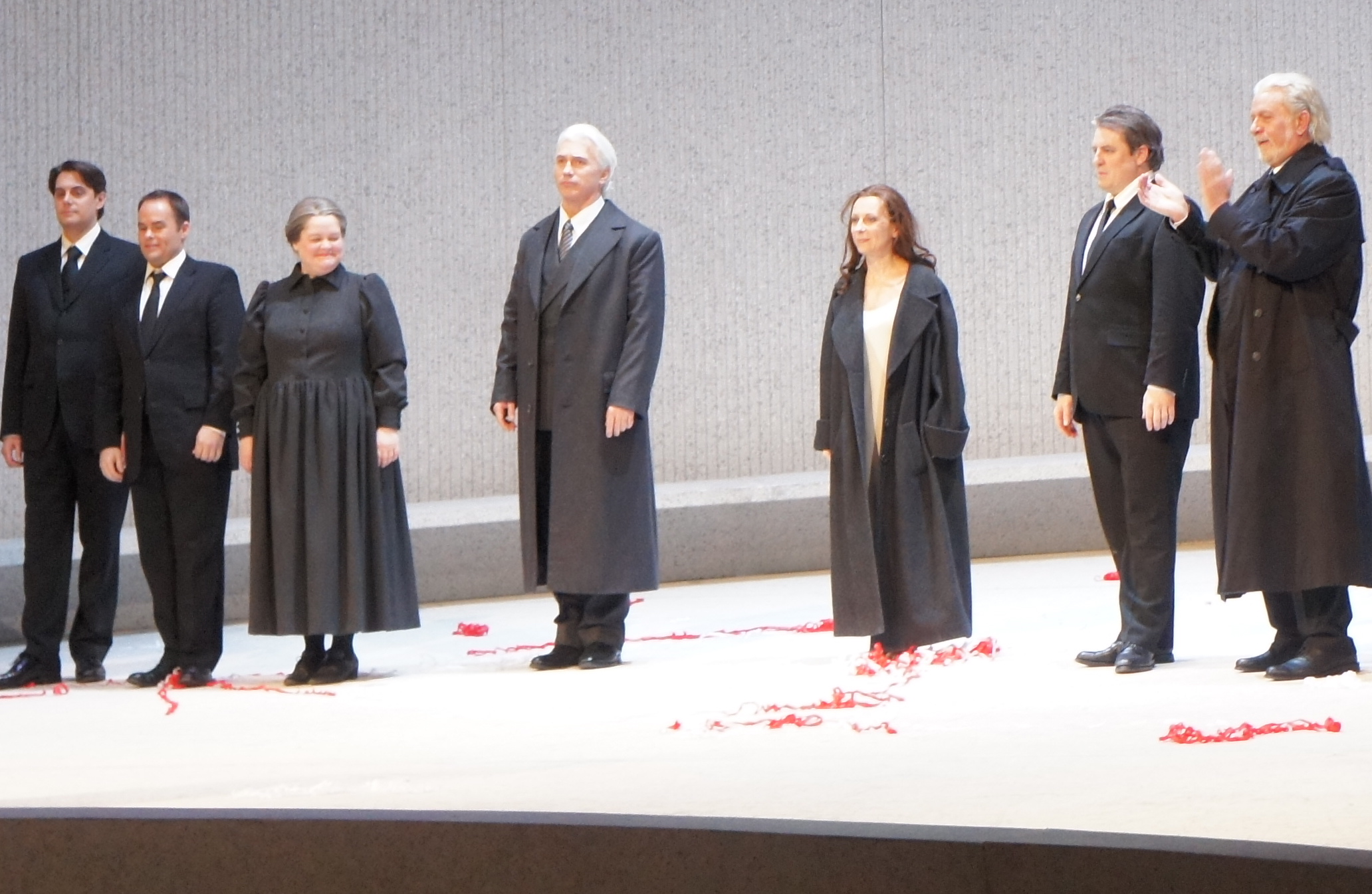 https://simonparrismaninchair.files.wordpress.com/2012/04/met-opera-la-traviata-hvorostovsky-dessay-polenzani-1.jpg