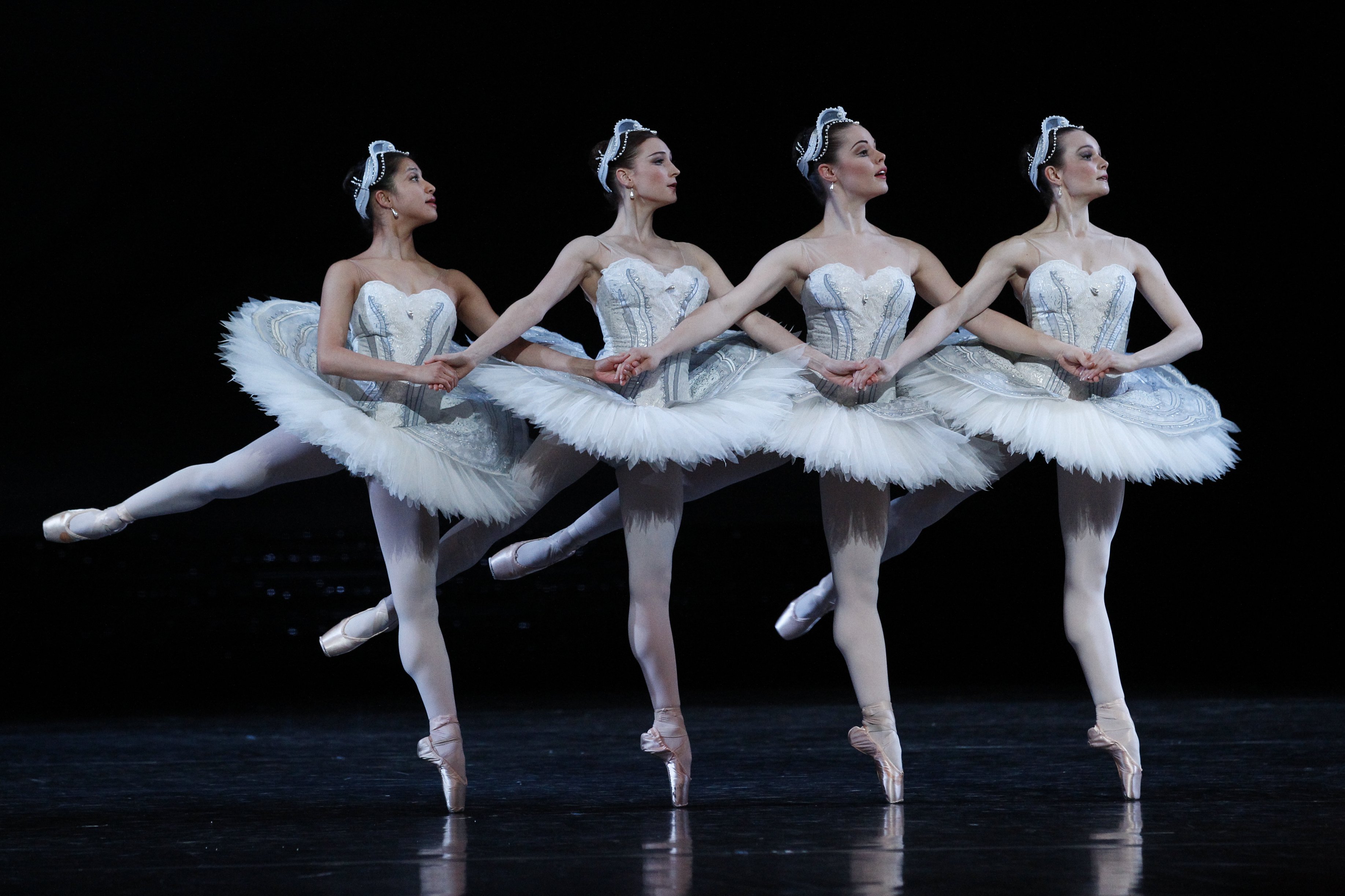 17ff5057d The Australian Ballet  Swan Lake review – Simon Parris  Man in Chair