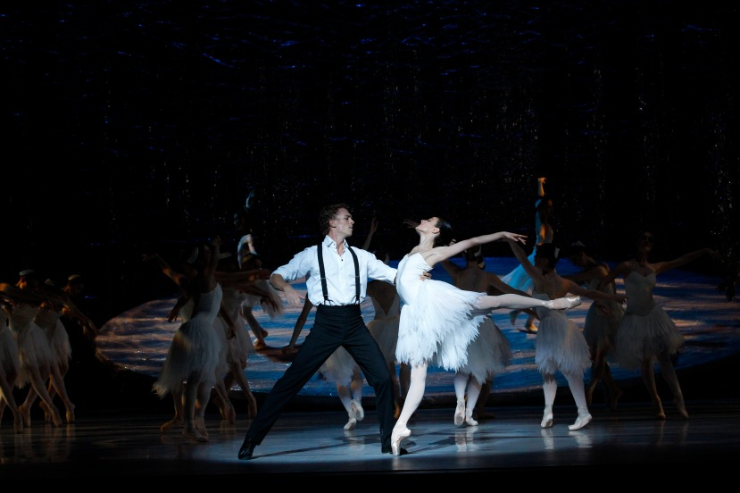 Amber Scott, Adam Bull, Australian Ballet Graeme Murphy's Swan Lake