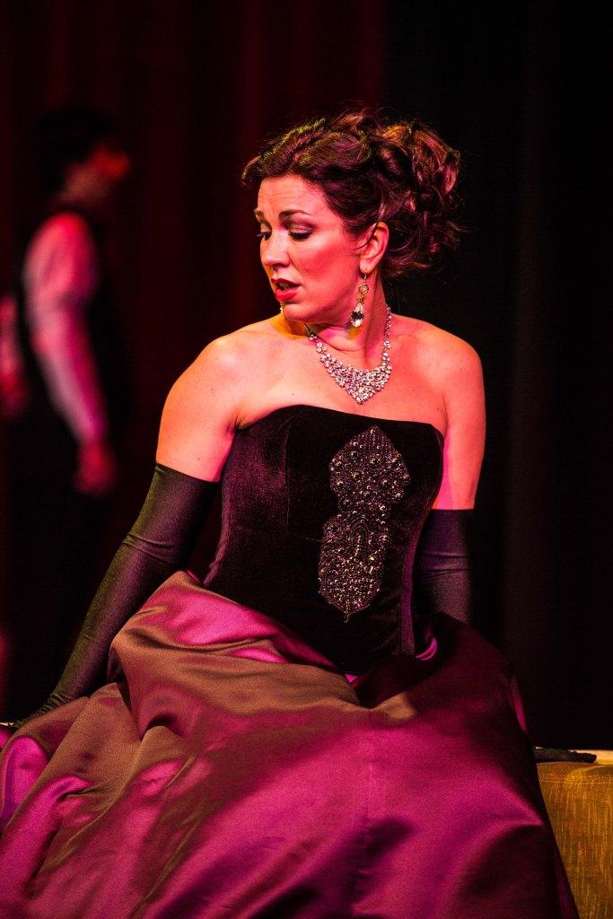 Antoinette Halloran as Violetta, black dress, Melbourne Opera La Traviata 2013