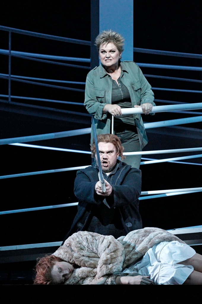 Melbourne Ring Cycle, Opera Australia 2013 Die Walkure, Susan Bullock as Brunnilde, Stuart Skelton as Siegmund