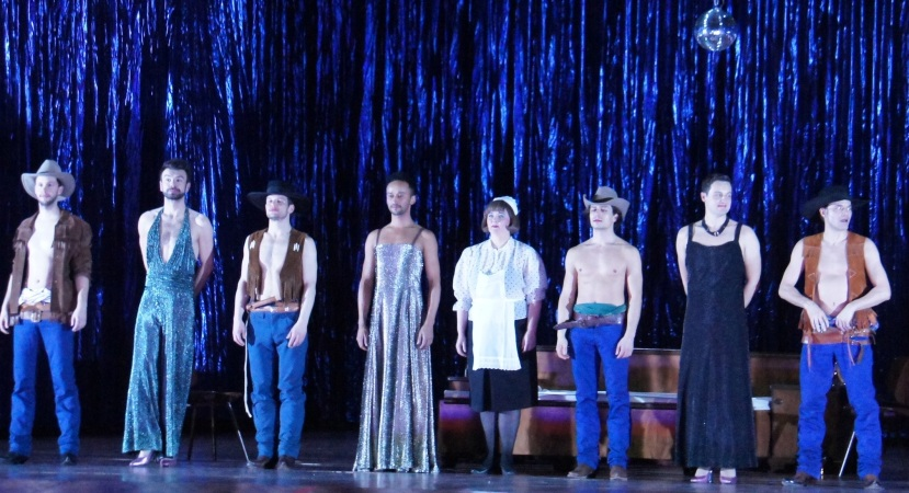 Bayerische Staatsoper, Eugene Onegin, gay cowboys