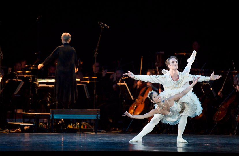 Chris Rodgers Wilson, Miwako Kubota in Telstra Ballet in the Bowl 2014, The Australian Ballet