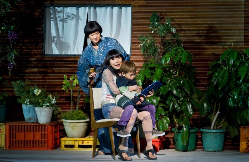 Madama Butterfly, Handa Opera Sydney Harbour 2014, Anna Yun as Suzuki, Hiromi Omura as Madama Butterfly, Jayden Lai as Sorrow