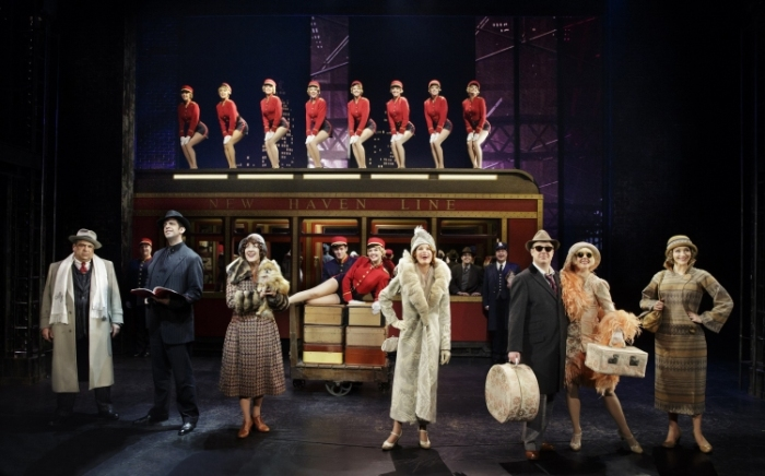 Bullets over Broadway the musical, train