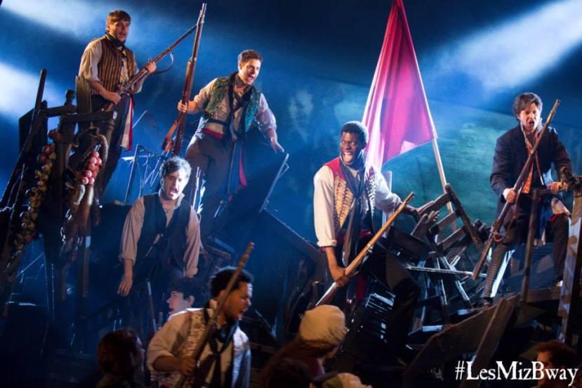 Les Miz 2014 Broadway, barricade
