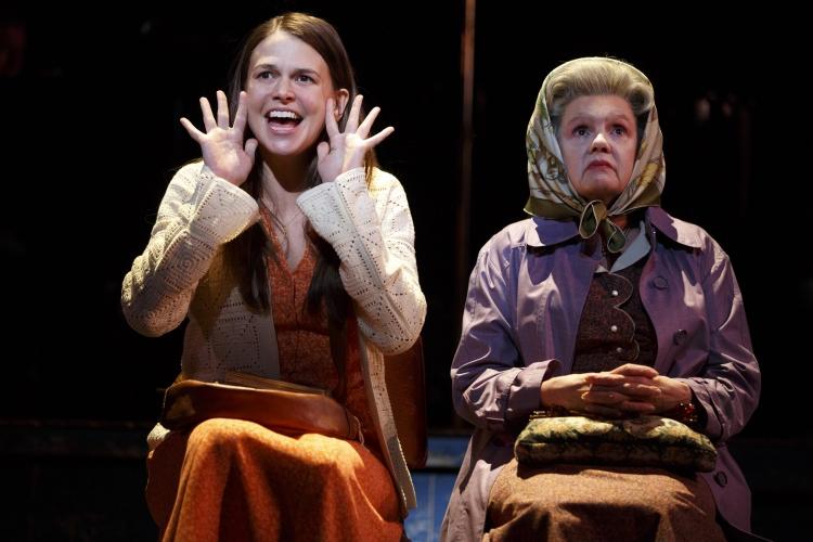Violet Broadway Sutton Foster, Annie Golden