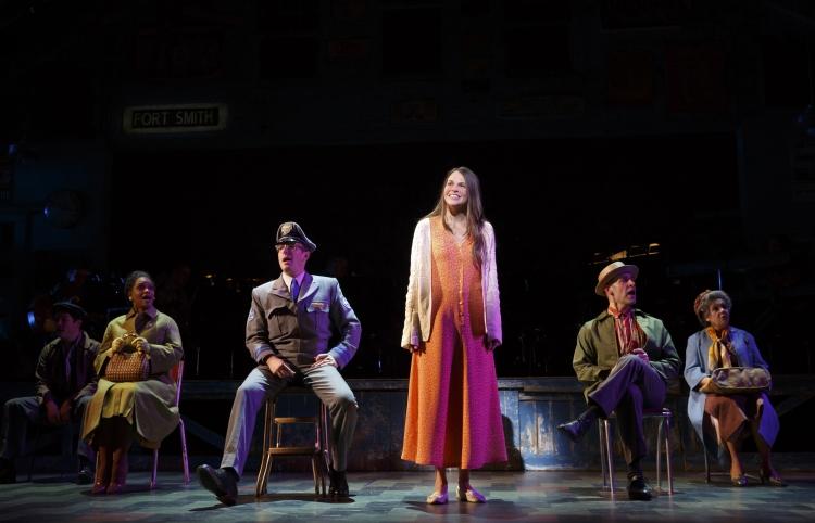 Violet Broadway Sutton Foster, greyhound bus