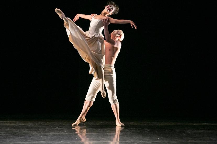 Chroma 2014 The Australian Ballet, Reiko Hombo, Chengwu Guo, Sechs Tanze