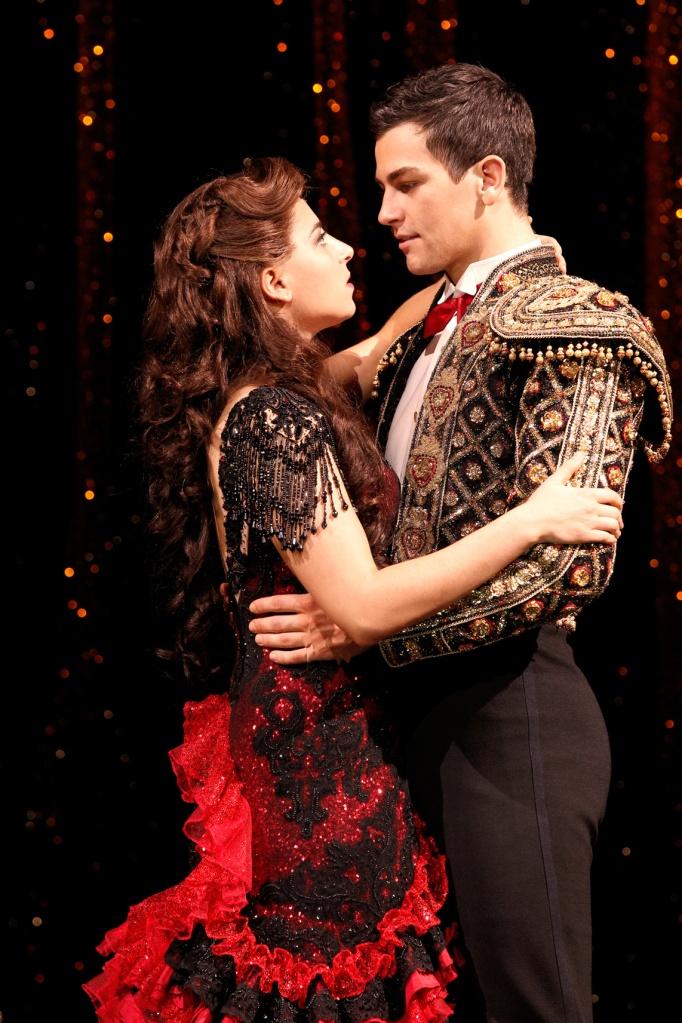 Strictly-Ballroom-musical,-Sydney,-Phoebe-Panaretos-and-Thomas-Lacey