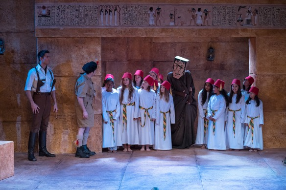 Opera Australia, Regional Tour 2014 The Magic Flute, Sam Roberts-Smith, Christopher Hillier, Anna Dowsley, students from Yarraman Oaks Primary School