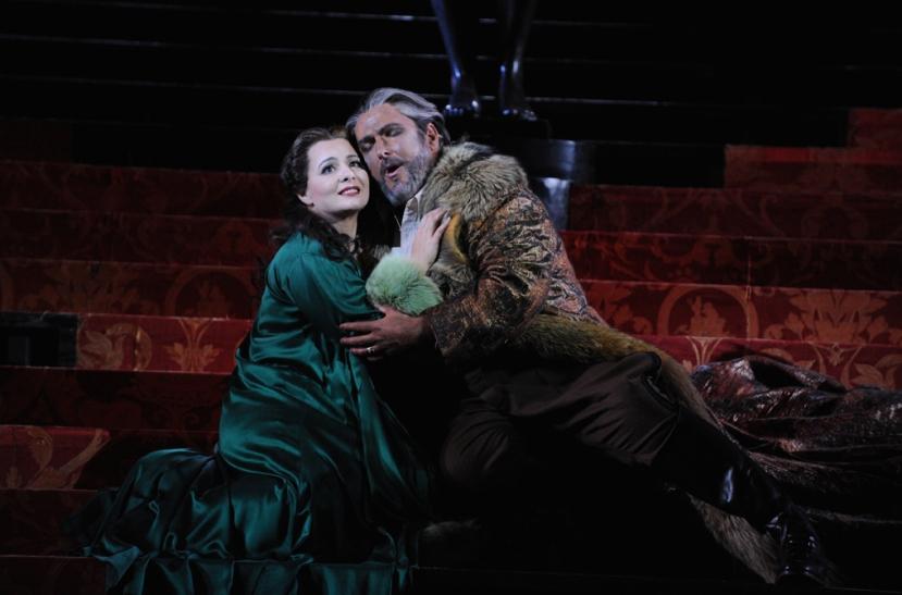 Opera Australia_Otello_2014_Lianna Haroutounian as Desdemona, Simon O'Neill