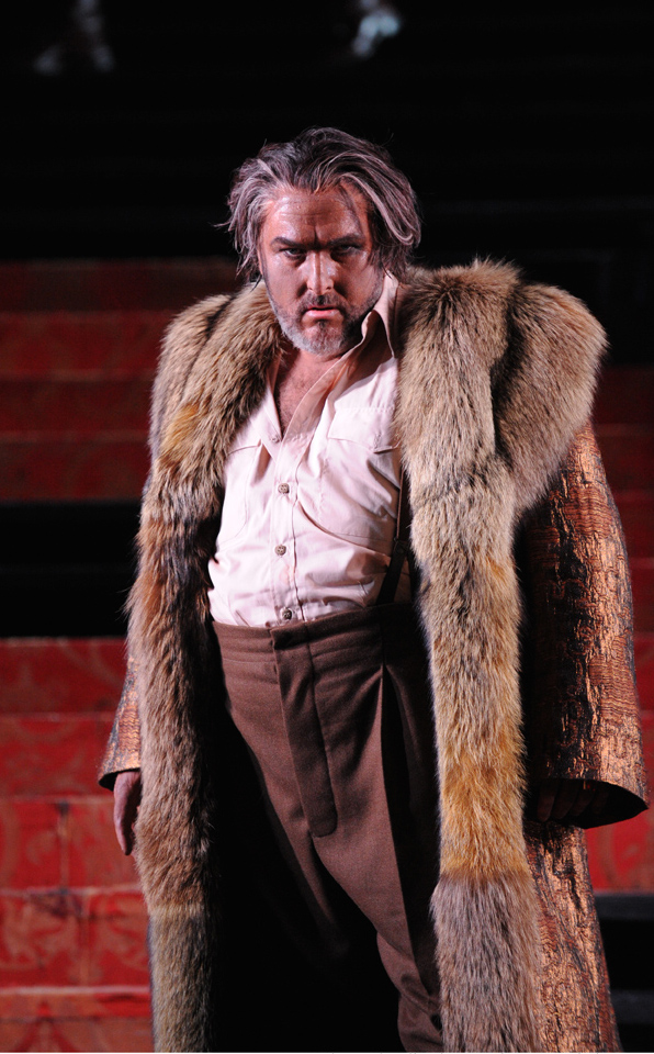 Opera Australia_Otello_2014_Simon O'Neill as Otello