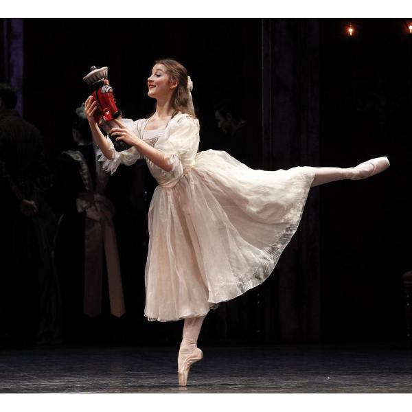 The australian ballet the nutcracker review simon for Floor nutcracker