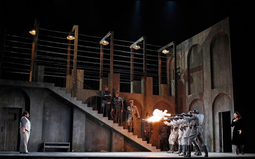 Tosca-2014-Opera-Australia,-Cavadarossi-faces-firing-squad