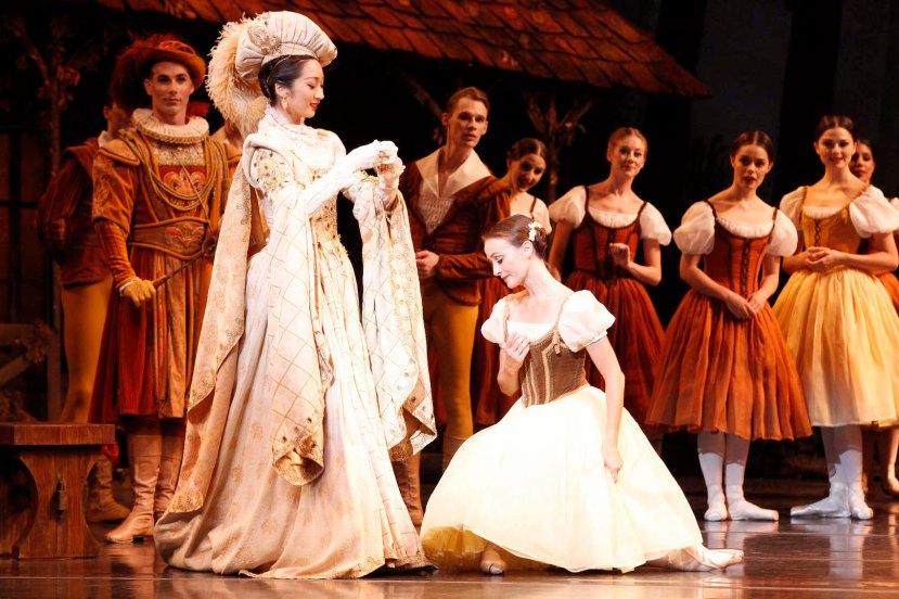 Giselle 2015 The Australian Ballet, Natasha Kusen, Madeleine EastoeJPG
