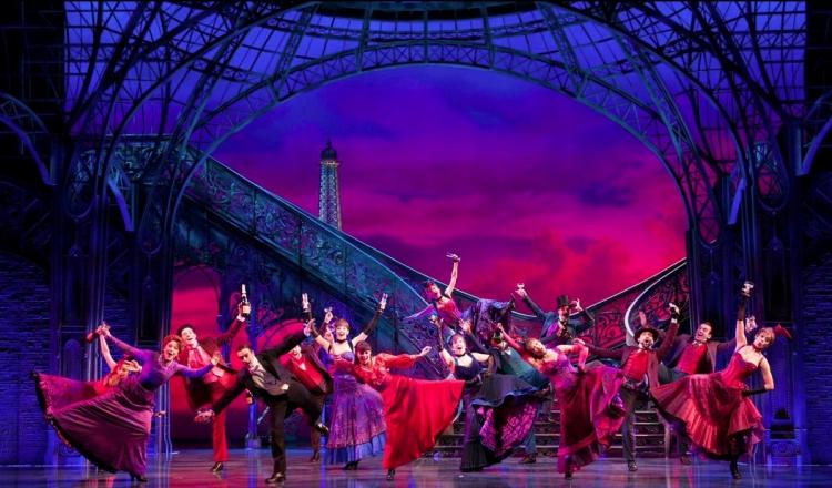 Gigi, Broadway, Eiffel Tower