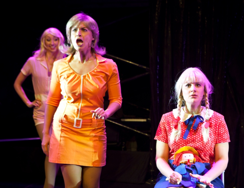 A Super Brady Cabaret, Lauren Edwards as Carol Brady, Nicola Guzzardi as Cindy Brady
