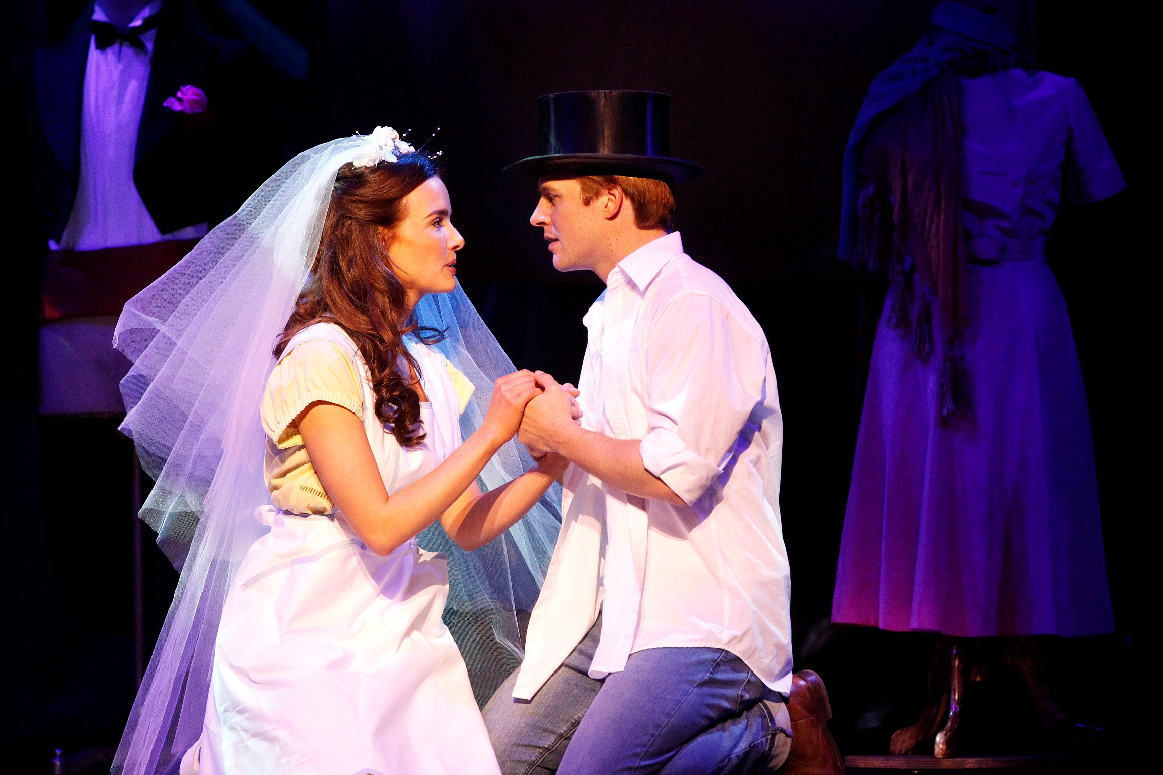 west side story critique The current touring production of west side story, showing at melbourne's luxurious regent theatre, comes to us from the 2009 broadway revival importantly, in.