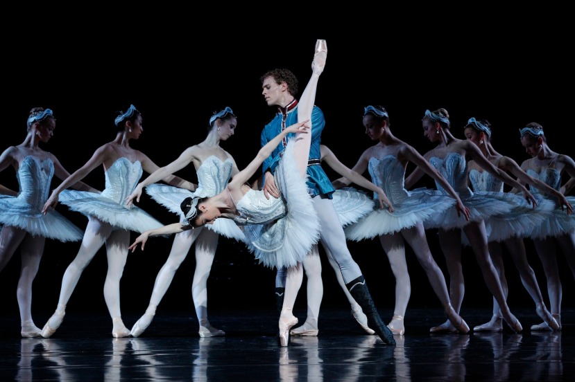Amber Scott and Adam Bull Swan Lake 2012 The Australian Ballet