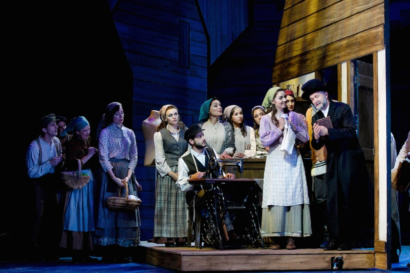 Fiddler on the Roof 2016 Australia, A new arrival at Motel and Tzeitel's