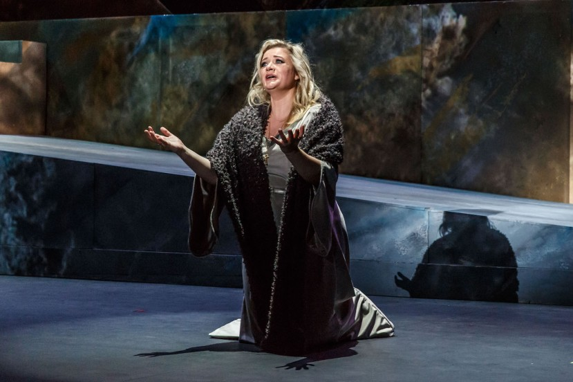 Tannhauser 2016 Melbourne Opera, Lee Abrahmsen as Elisabeth