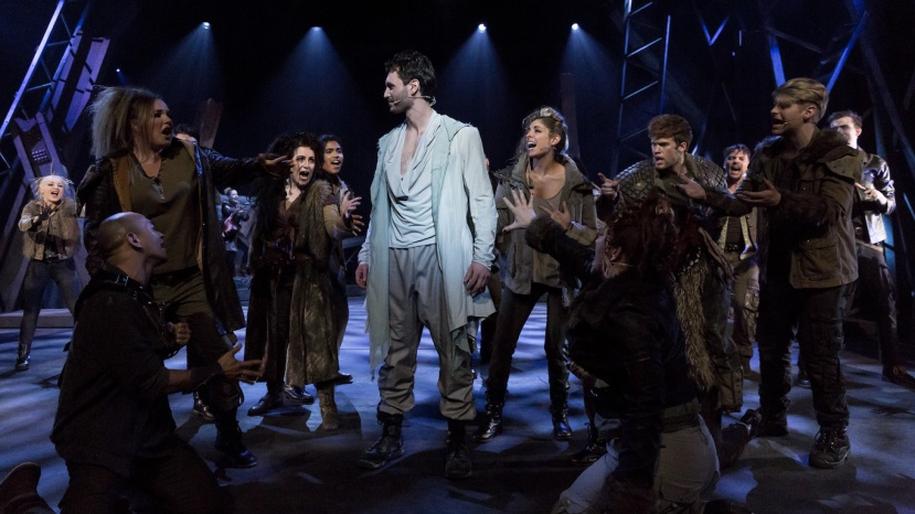 jesus-christ-superstar-2016-cloc-musical-theatre-daniel-mottau-and-ensemble