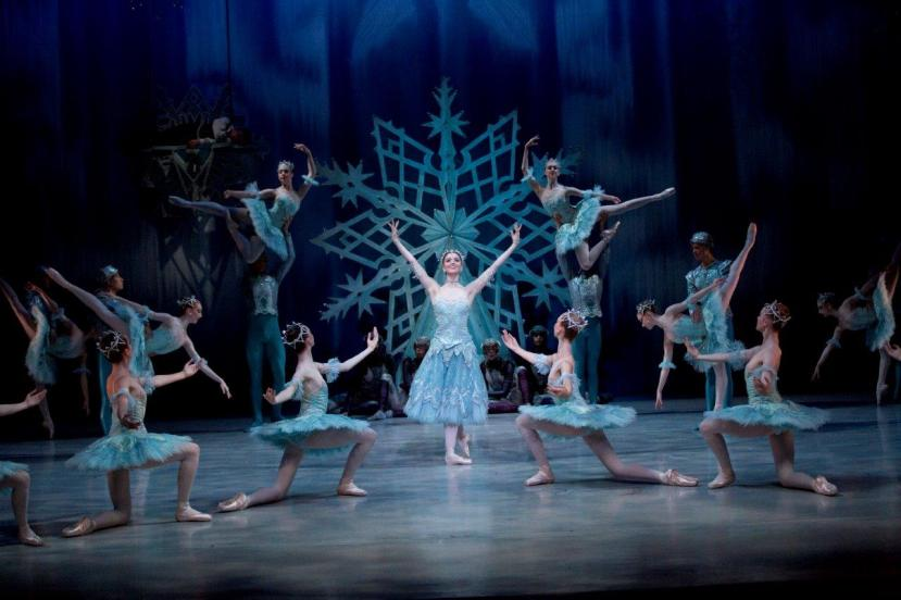 the-snow-queen-2016-the-australian-ballet-school-the-ice-palace