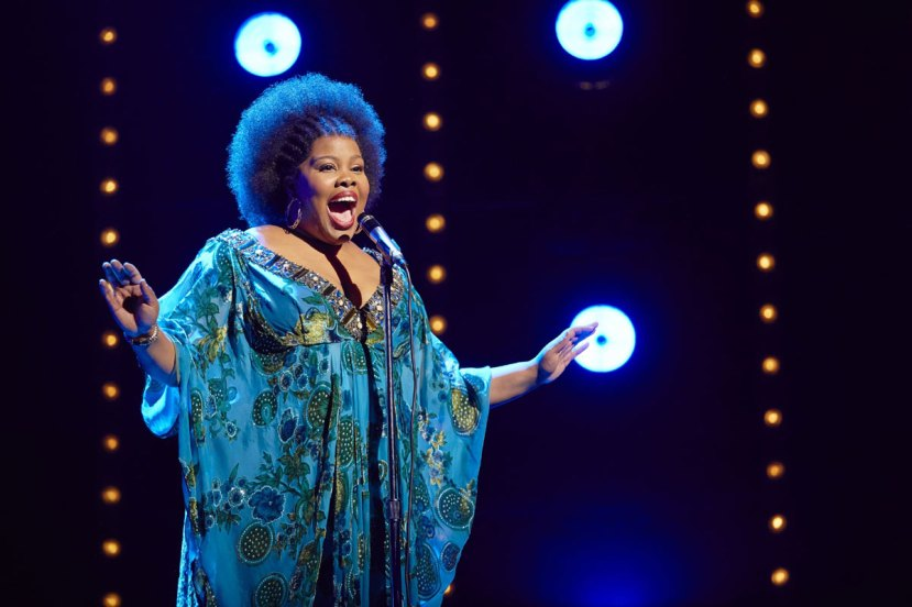 dreamgirls-london-amber-riley-as-effie-white