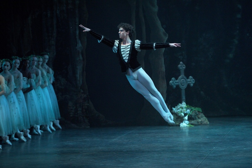 giselle-2017-english-national-ballet-isaac-hernandez-as-albrecht