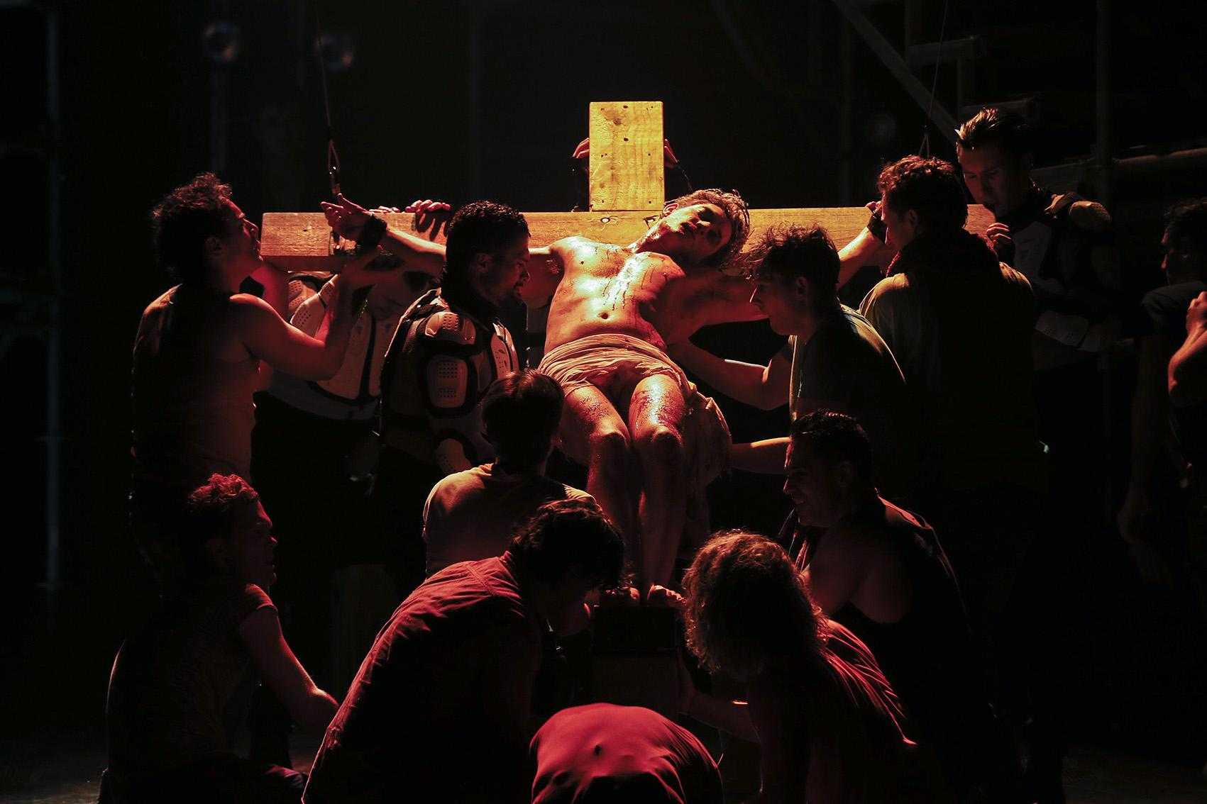 the production company jesus christ superstar u2013 simon parris man